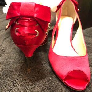 Ivanka Trump Reb Bow Lace pump heels 👠 Size 8